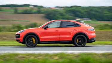 Porsche Cayenne Coupe SUV side panning
