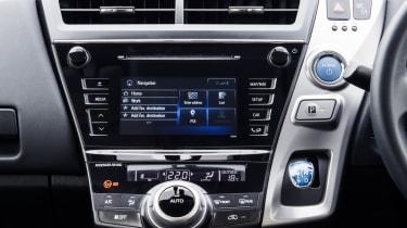 Toyota Prius+ MPV centre stack