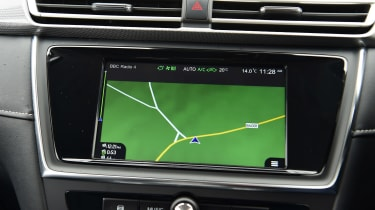 MG 5 EV estate navigation