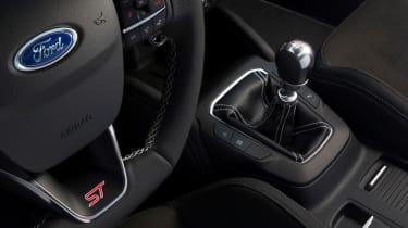 2019 Ford Focus ST - interior centre console