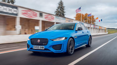 Jaguar XE Reims Edition driving