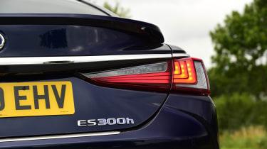 Lexus ES saloon rear lights