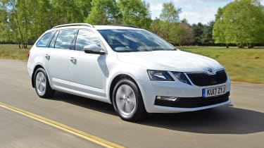 Skoda Octavia Estate - front 3/4 tracking