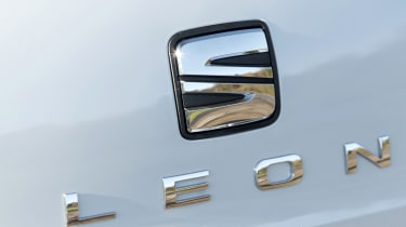 SEAT Leon badge