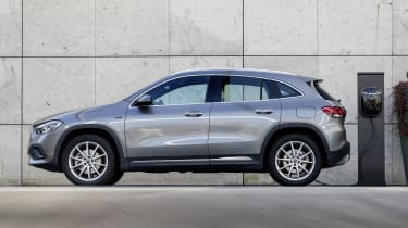 Mercedes GLA 250 e SUV side static