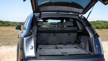 Audi Q7 SUV boot five seats
