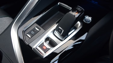 Peugeot 3008 SUV gear selector