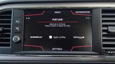 SEAT Leon Full Link screen