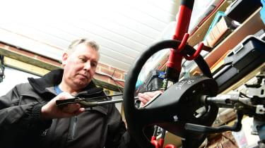 Best steering wheel locks - testing
