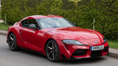 Toyota Supra coupe front 3/4 static