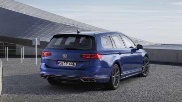 2019 Volkswagen Passat rear static