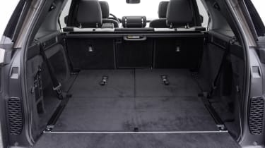 Land Rover Discovery SUV boot