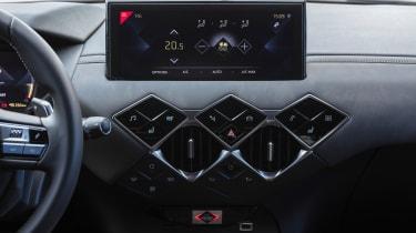 DS 3 Crossback 2019 interior dashboard
