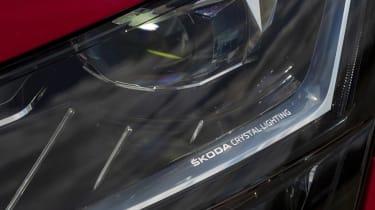2019 Skoda Superb facelift - headlight detail