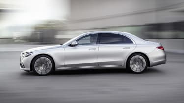 2020 Mercedes S-Class - side on view passing