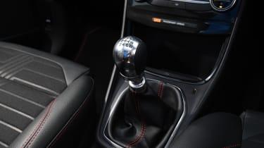 Ford Puma SUV gearlever