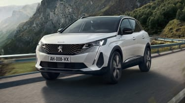 2020 Peugeot 3008 PHEV - FRONT 3/4 dynamic passing