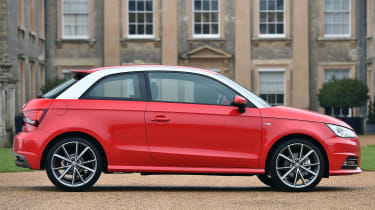 A contrasting roof helps draw the eye to this nicely proportioned car