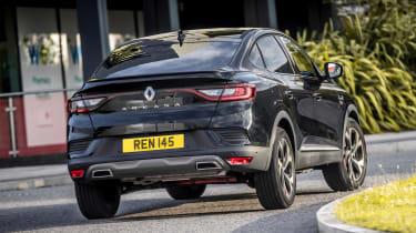 Renault Arkana SUV rear cornering