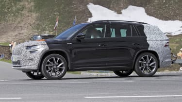Skoda Kodiaq spy shot side