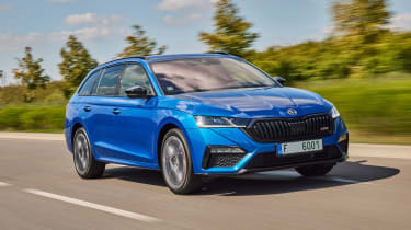 2020 Skoda Octavia vRS iV Estate driving - front end