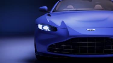 2020 Aston Martin Vantage Roadster - front close view