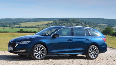 2020 Skoda Octavia Estate - front 3/4 static view