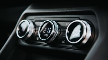 Dacia Sandero Stepway hatchback switchgear
