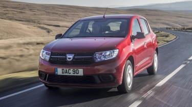 Dacia Sandero hatchback front 3/4 tracking