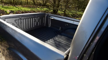 Nissan Navara - rear load bed