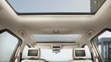 HSE trim gets you a panoramic sunroof, with HSE luxury bringing the two seen here