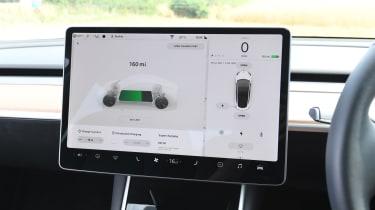 Tesla Model 3 - interior touchscreen range display