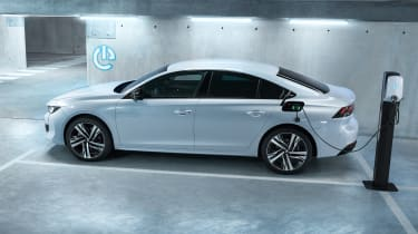 Peugeot 508 plug-in hybrid - side view
