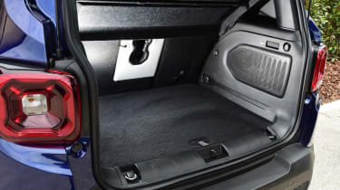 Jeep Renegade boot