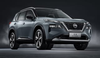 2022 Nissan X-Trail - front 3/4 view