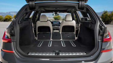 2019 BMW 3 Series Touring - rear loadspace