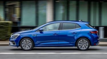 Renault Megane hatchback side panning