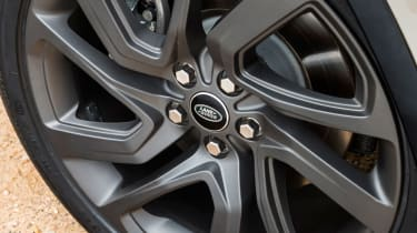 S trim includes 19-inch alloys, with top-spec HSE Luxury bringing vast 21-inch wheels