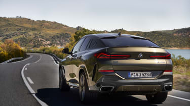 2019 BMW X6 - rear dynamic shot