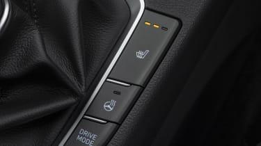 2021 Hyundai i30 heated seat button