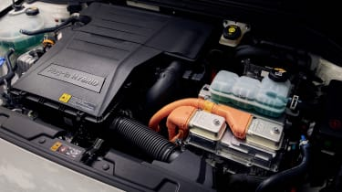 Hyundai Ioniq Plug-in Hybrid engine