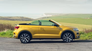Volkswagen T-Roc Cabriolet - side view (windows up)