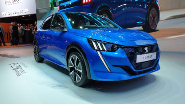Peugeot e-208 revealed at Geneva - front