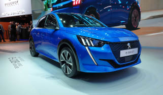 Peugeot e-208 revealed at Geneva - front