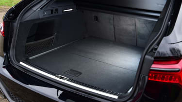 Audi RS6 Avant estate boot