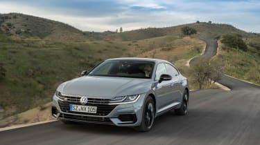 Volkswagen Arteon R-Line Edition - driving