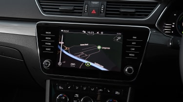 Skoda Superb Estate sat nav