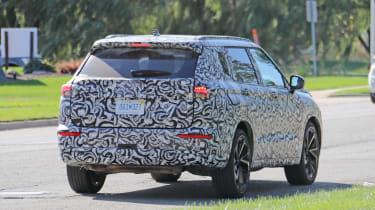2020 Mitsubishi Outlander - rear 3/4 dynamic view