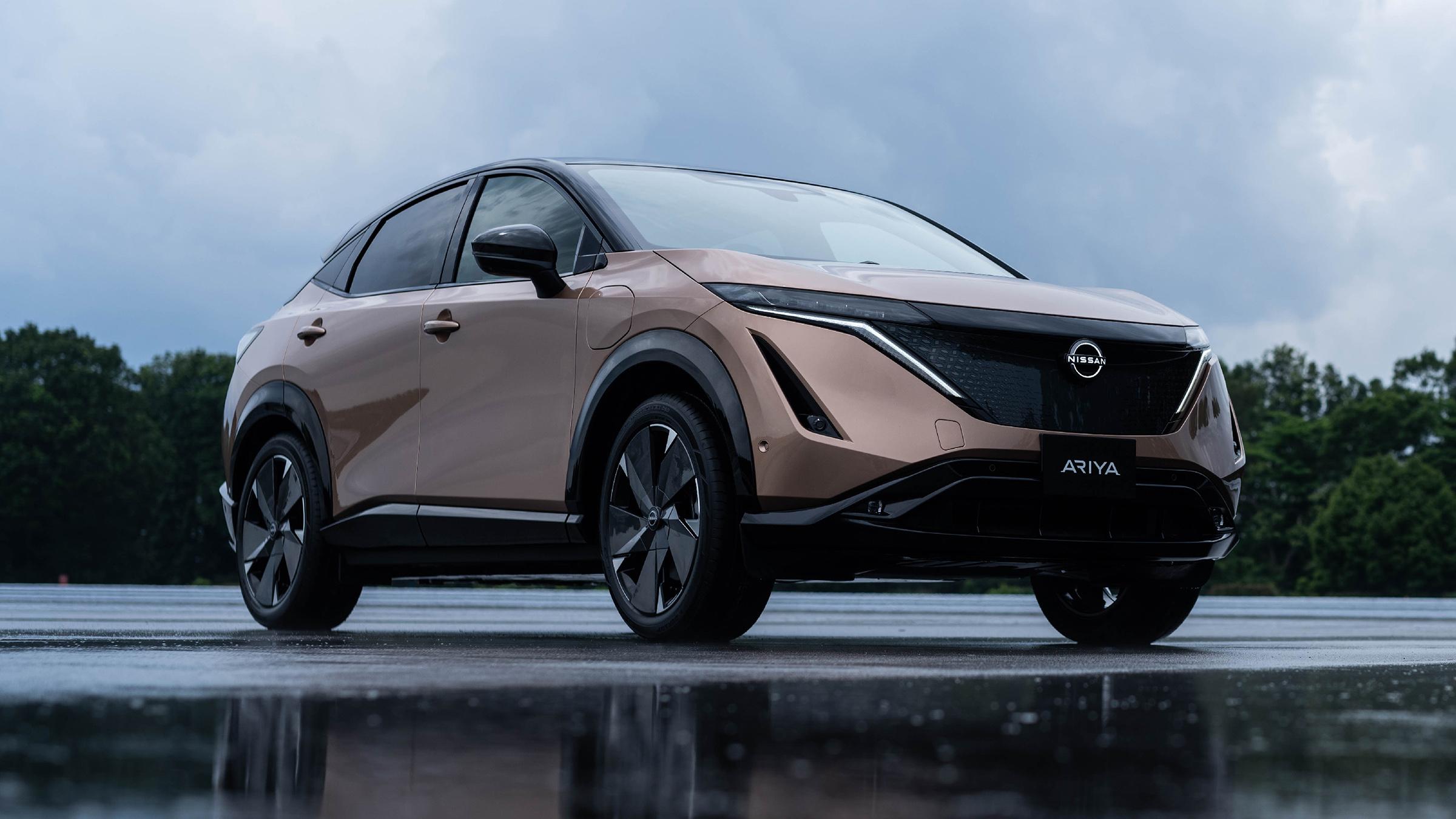 Electric Nissan Ariya Suv Unveiled Carbuyer