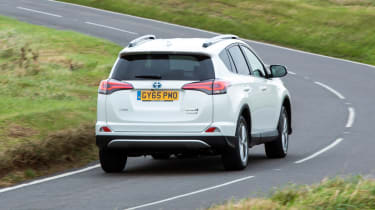 Fuel-economy figures of more than 55mpg combine with CO2 emissions of 115g/km for cheap motoring